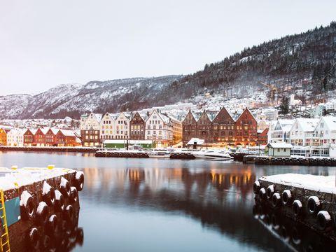 Crucero Fiordos Noruegos y Cabo Norte de Bergen a Kirkenes